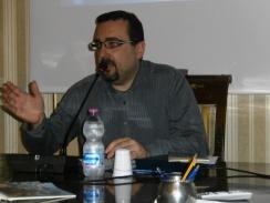 Introduce l'evento: Lorenzo Spurio, Presidente della Ass. Euterpe
